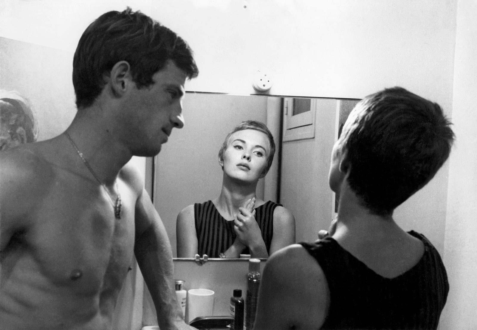 """בלמונדו וג'ין סיברג מתוך """"עד כלות הנשימה"""" (1960)."""